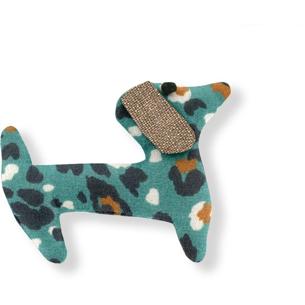 Basset hound hair clip jade panther