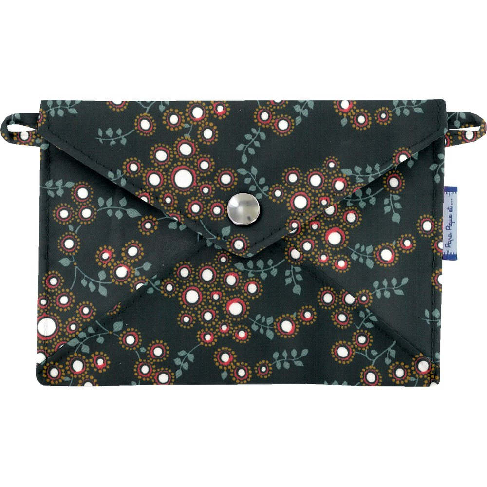 Little envelope clutch fireflies