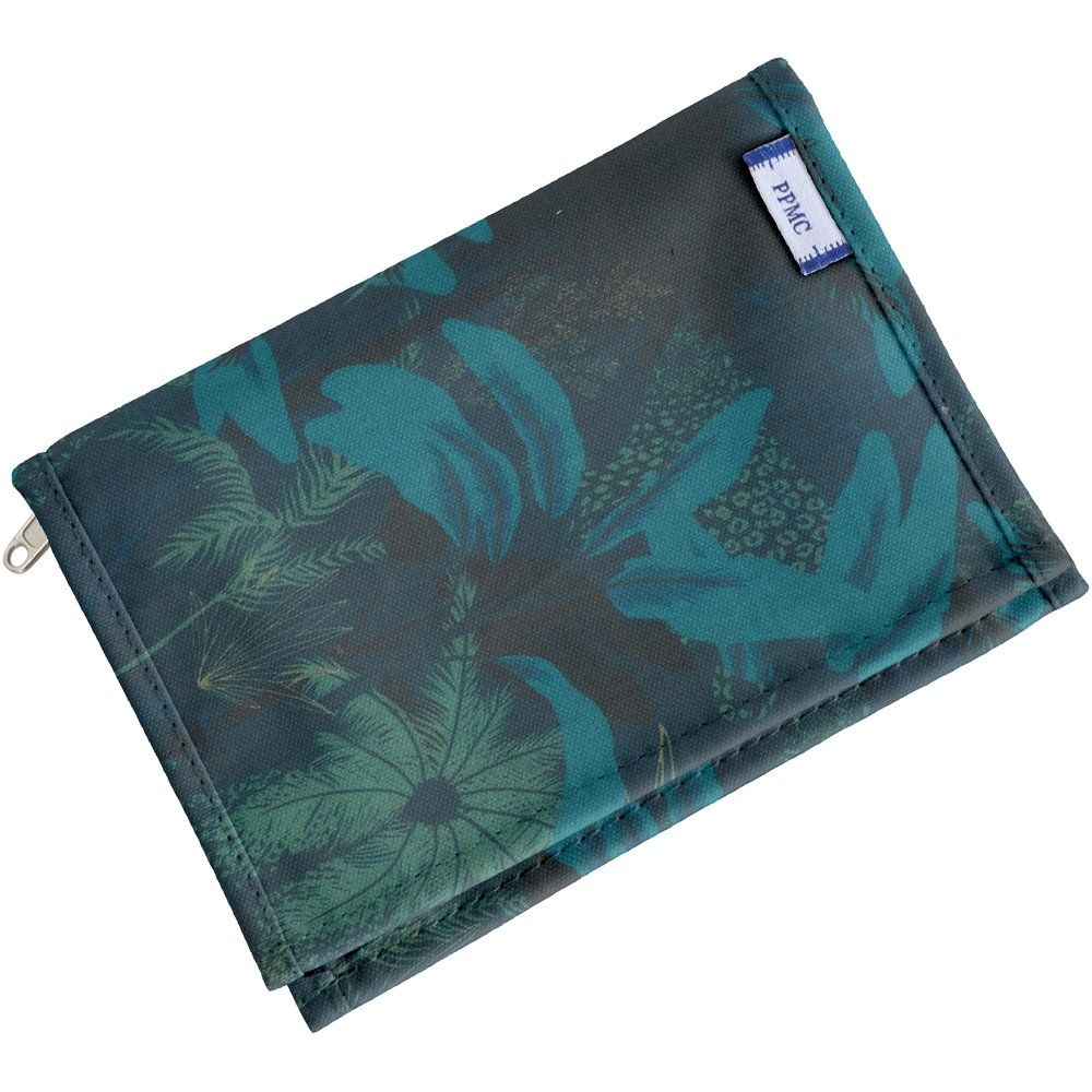 Compact wallet wild winter