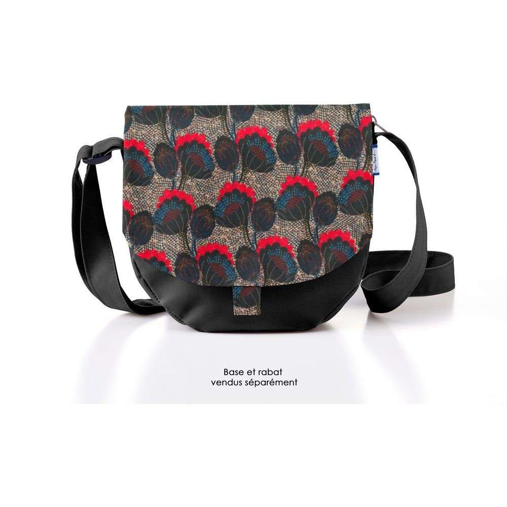 Flap of small shoulder bag royal poppy