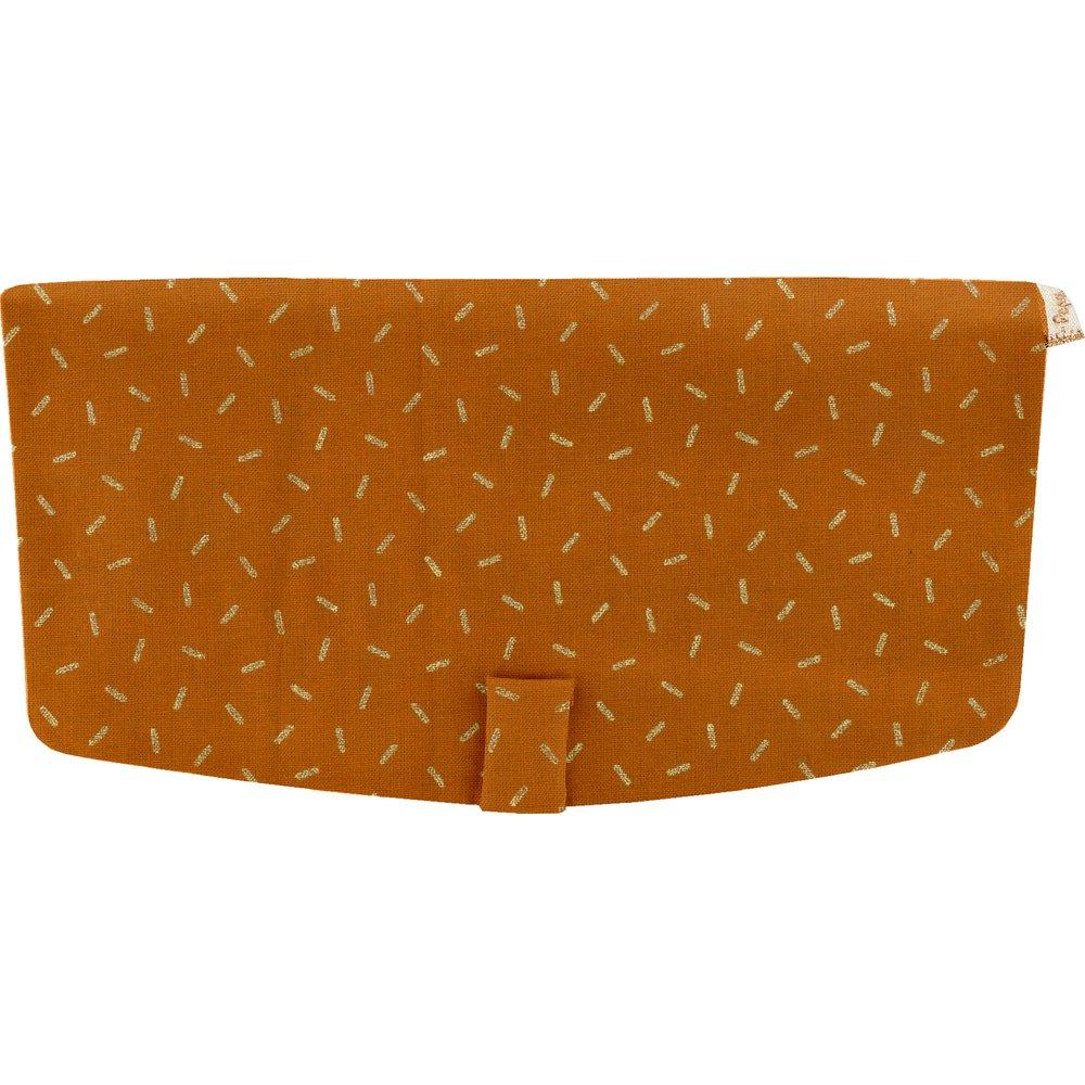 Flap of shoulder bag caramel golden straw