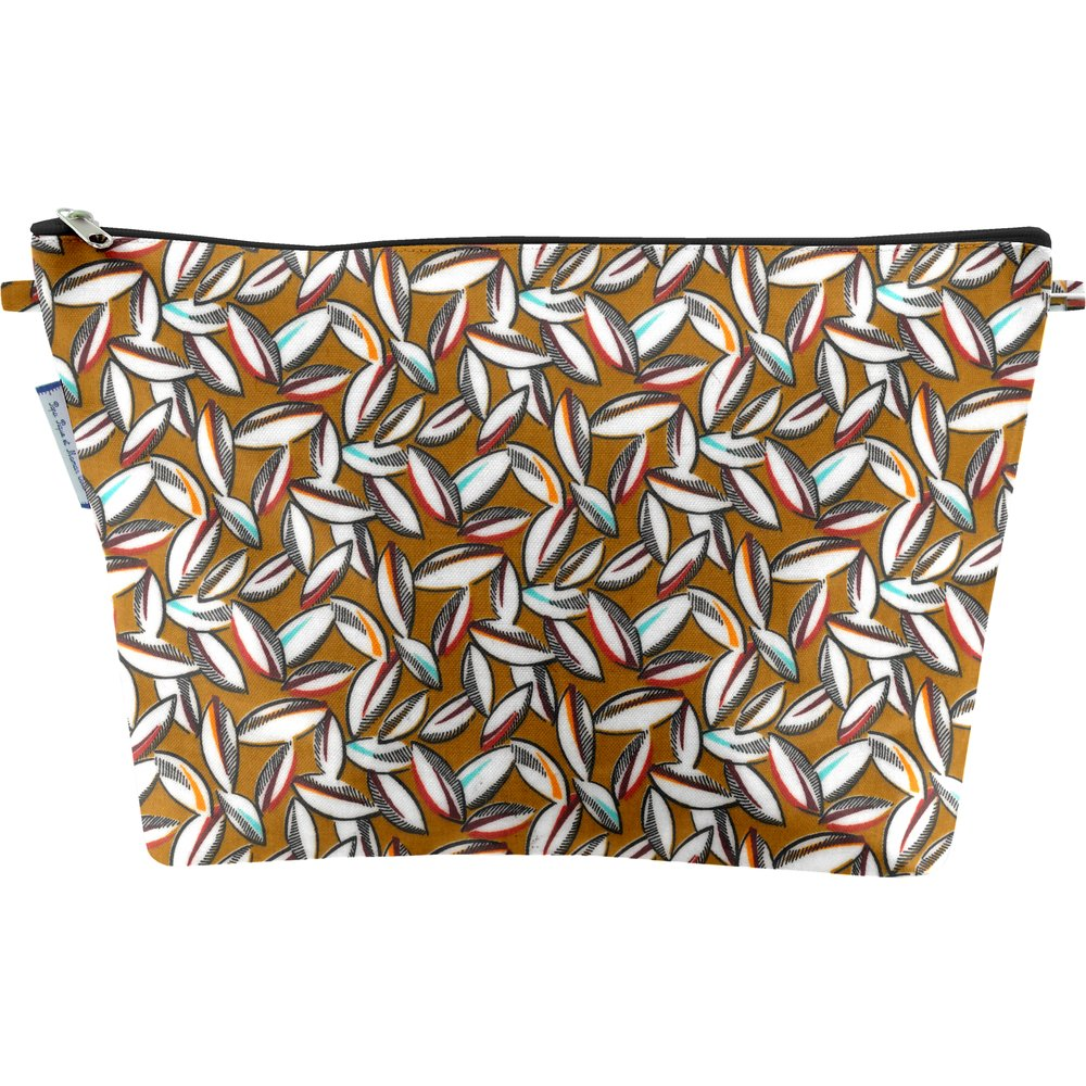Cosmetic bag with flap cocoa pods
