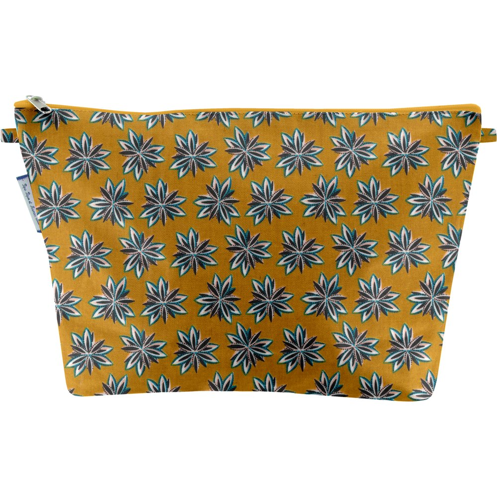 Cosmetic bag with flap aniseed star