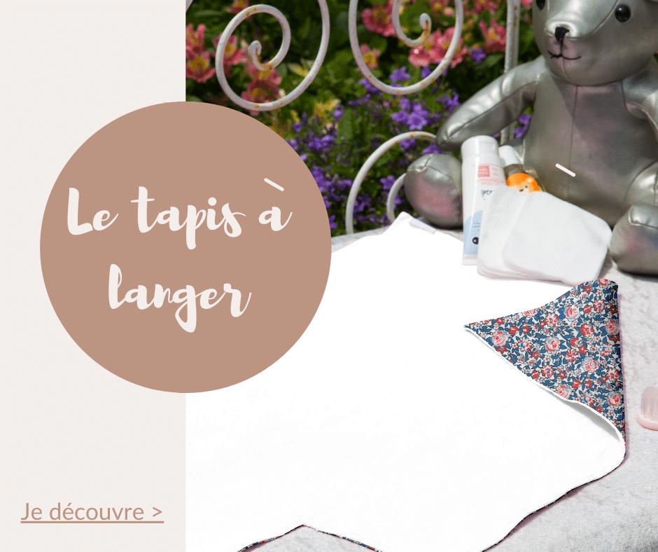 Le tapis à langer pour bébé est un cadeau idéal pour offrir à un nouveau né et aux futurs parents. Optez pour un tapis à langer original et coloré disponible dans tous les imprimés Papa Pique et Maman Coud